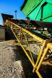 Industriellt grusvillebråd Arkivbild