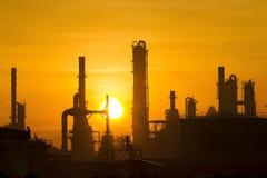 Industriellt i solnedgång Arkivbilder