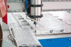 Industriellt maskineri på produktionfabrik av CNC-maskindrejbänkar royaltyfri bild