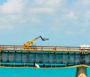Industriellt medel på en bro i Florida tangenter royaltyfria foton