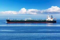 Industriellt olja- och kemikalietankfartygskepp Arkivbild