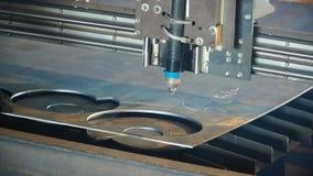 Industriellt plasmamaskinklipp av metallplattan gem Bitande klipp för gas för metallplattor Klipp för stålplatta vid gas Arkivbild