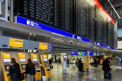 Industriellt slag i den Frankfurt flygplatsen, Tyskland royaltyfri foto