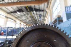 Industriellt stålkugghjulhjul royaltyfri foto