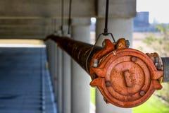 Industriellt vattenrör Arkivfoto