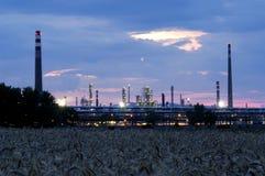 Industriezone - aardolieraffinaderij Royalty-vrije Stock Foto's