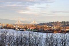 Industriezone door de rivier Stock Foto