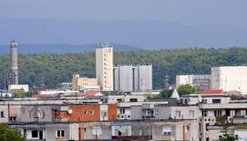 Industriezone in kleine bergstad Stock Foto's