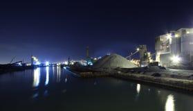 Industriezone, nightshot Royalty-vrije Stock Afbeeldingen