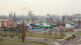Industriezone van scheepswerf in Gdansk stock video