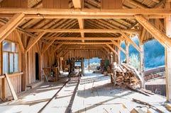Industriële fabriek - details van houten knipsel Stock Foto's