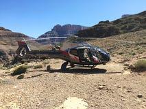 Indywidualisty Aerobus helikopter EC130 lądował przy Uroczystym jarem Obraz Royalty Free