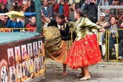 Infödda brottare i Bolivia arkivbilder