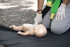 Infant dummy first aid Royalty Free Stock Photos