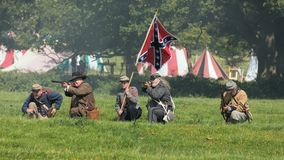 Infantaria confederada no campo de batalha, Worcestershire, Inglaterra foto de stock