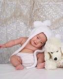Infante e brinquedo felizes Fotografia de Stock Royalty Free