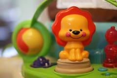 Infante Toy Lion Immagini Stock Libere da Diritti