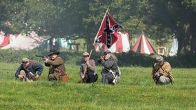 Infantería confederada en el campo de batalla, Worcestershire, Inglaterra foto de archivo