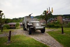 30. Infanteriedivision US-Erinnerungshalbkettenfahrzeug M3A1 auf Anzeige in Stavelot, Belgien Lizenzfreies Stockbild