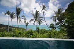 Infinite pool villa resort Royalty Free Stock Photography