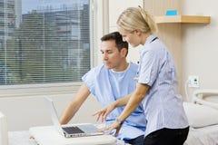 Infirmière et patient Image libre de droits