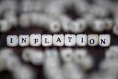 Inflacja - budowa z drewnianymi sześcianami Fotografia Royalty Free