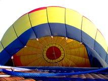 Inflando o balão de ar quente Fotografia de Stock