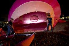 Inflando o balão de ar quente Fotografia de Stock Royalty Free