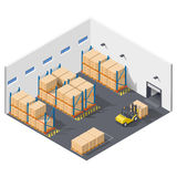 infographic礼物运作在仓库的元素,物品的发货里面执行与铲车 免版税库存照片