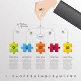 Infographic con il pezzo di puzzle sui precedenti grigi Vettore Fotografie Stock