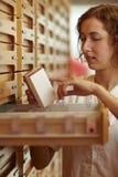 Informação da medicina da leitura Imagens de Stock Royalty Free