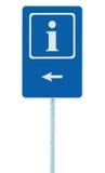 Informacja podpisuje wewnątrz błękit, biel lewa ręka, wskazuje strzała, odosobnionego pobocza ewidencyjny signage na słup poczta  Zdjęcia Stock