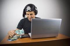 Informatic hacker kraść muzykę obraz royalty free