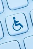Informaticiens en ligne de conception de site Web d'Internet d'accessibilité de Web Photo libre de droits