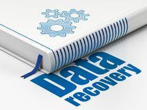 Informatieconcept: boektoestellen, Gegevensterugwinning op witte achtergrond Royalty-vrije Stock Afbeelding