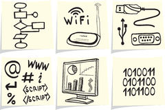 Informatietechnologie pictogrammen op gele memorandumstokken Royalty-vrije Stock Afbeeldingen