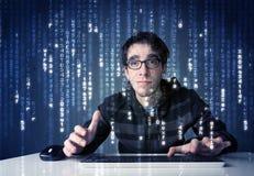 Information om en hackeravkodning från futuristisk nätverksteknologi Royaltyfri Bild