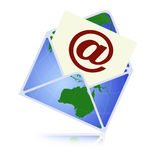 Informationsbladbegrepp med en email Arkivfoton