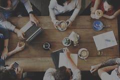 Informationsbyrå Team Concept om idékläckningaffär Arkivbild