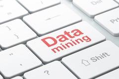 Informationskonzept: Data - Mining auf Computertastaturhintergrund lizenzfreie abbildung