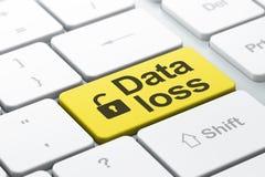 Informationskonzept: Geöffnetes Vorhängeschloß und Daten-Verlust auf Computer KE Lizenzfreies Stockbild