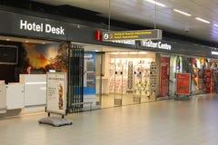 Informazione turistica Holland Schiphol Plaza, aeroporto di Schiphol, Paesi Bassi dello scrittorio dell'hotel Fotografia Stock