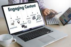 Informazioni CONTENTE d'aggancio della pubblicazione di media di blogging di dati di vendita fotografia stock libera da diritti