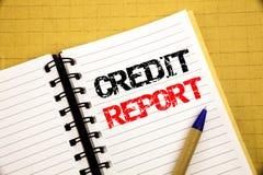 Informe de crédito Concepto del negocio para el control de la cuenta de las finanzas escrito en la libreta con el espacio de la c foto de archivo