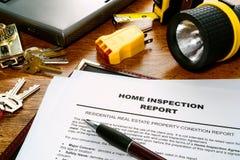 Informe de examen del hogar de las propiedades inmobiliarias Fotos de archivo libres de regalías