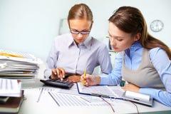 Informe de la contabilidad Imágenes de archivo libres de regalías