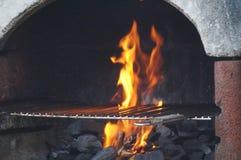 Inforni la luce del barbecue - vista frontale Fotografie Stock Libere da Diritti