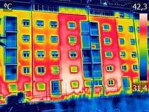 Infraröd brist för thermovisionbildvisning av nollan för termisk isolering royaltyfri foto