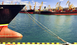 Infrastructure de port maritime. photographie stock libre de droits