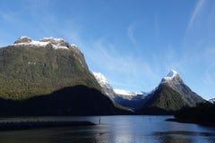 Infuła szczyt przy Milford dźwiękiem, Nowa Zelandia obrazy stock